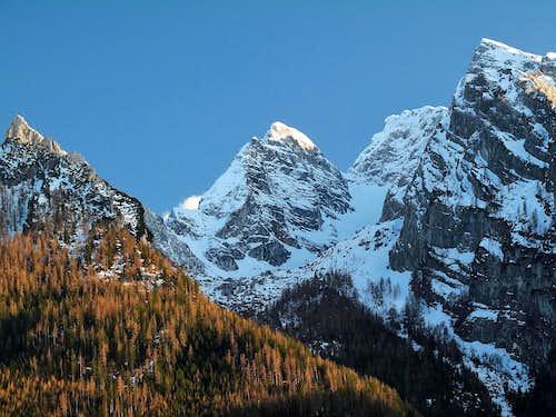 Schärtenspitze (2153m), Blaueisspitze (2481m) and Hochkalter (2607m)