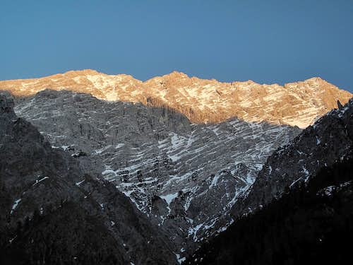 The west wall of the Watzmann (2713m) seen in the evening from the Wimbach valley