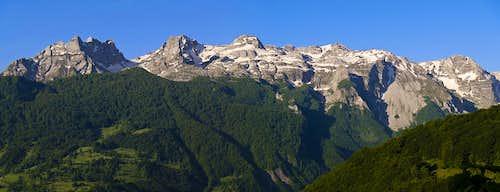 Kapa Moračka massif