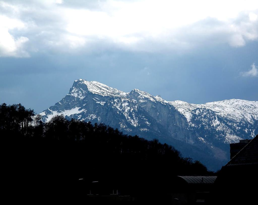 Special light on the Untersberg just before rainfall