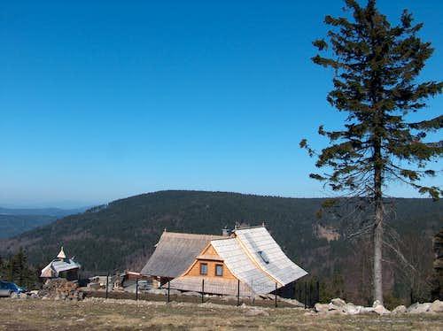 Hut Schronisko Zygmuntówka on Kalenica