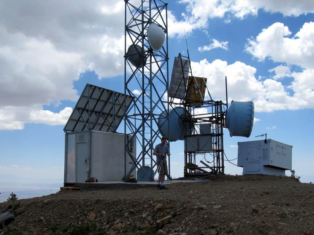 Communications structures