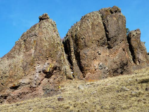 Outcrops of volcanic conglomerate