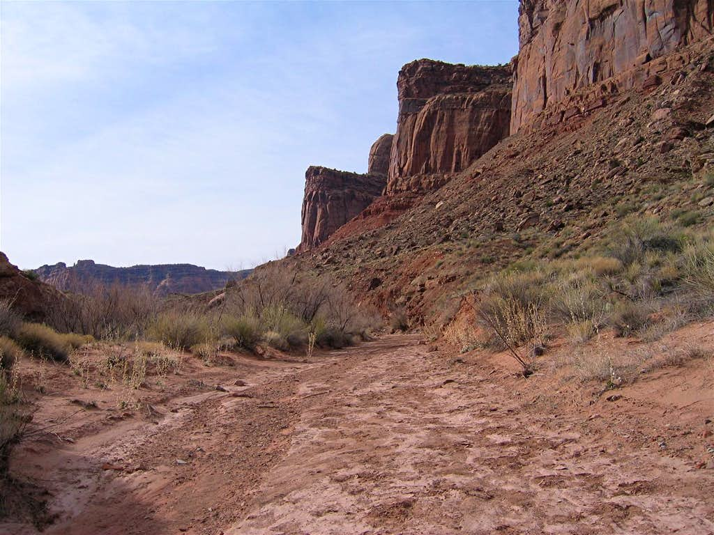 Hiking down the Dry Wash