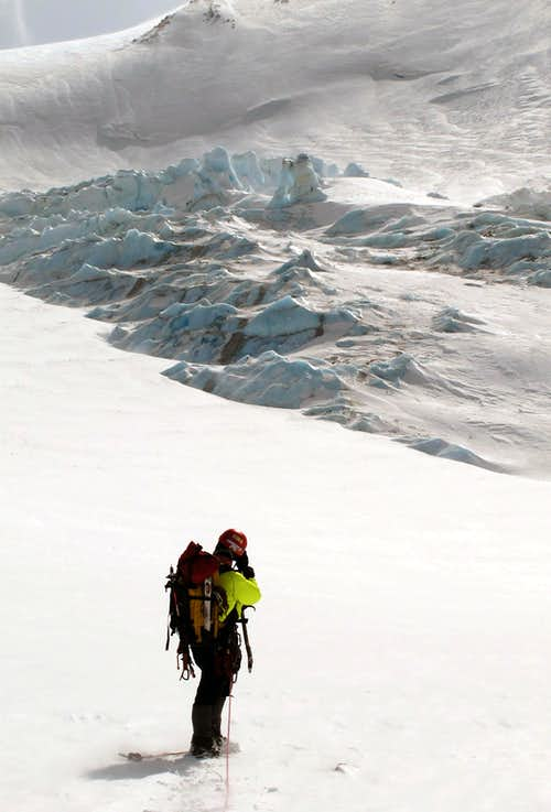 Approaching the 2nd Icefall on the Whitney Glacier