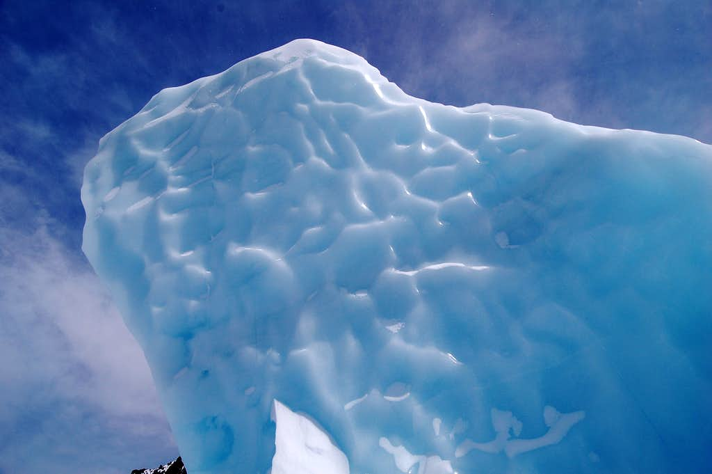 Serac in the 2nd Icefall on the Whitney Glacier