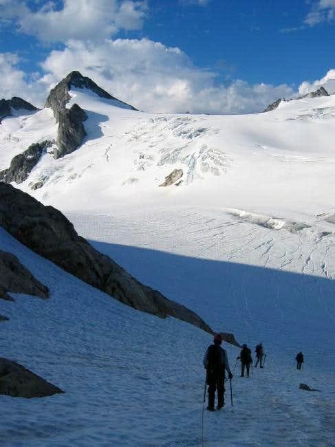 Descending onto Neve Glacier...