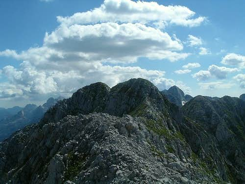 Twin summits of Veliki Karanfil