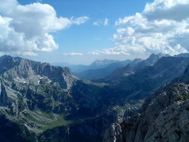 Ropojana valley and Qafa e Pejes saddle
