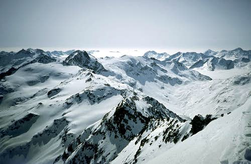 Piz Tambò : view from the summit