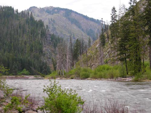 Wenatchee River At Tumwater Mountain