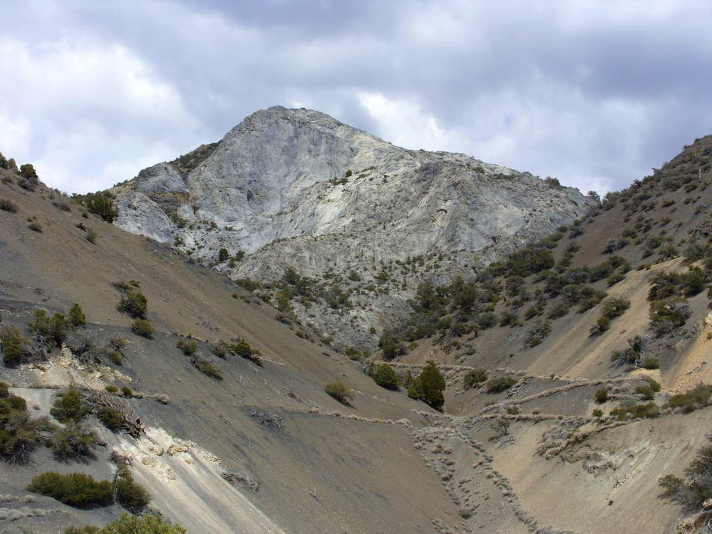 Granite cliff seen along the descent