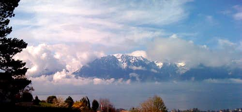 The Grammont (2176m) in cloud, rising above the lake of Geneva