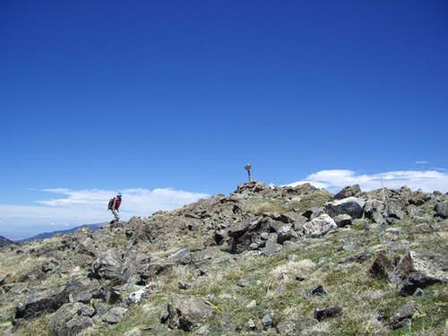 11 stream crossings and lots of snow on the way to Lobo Peak