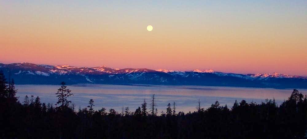Full Moon over Lake Tahoe : Photos, Diagrams & Topos ...