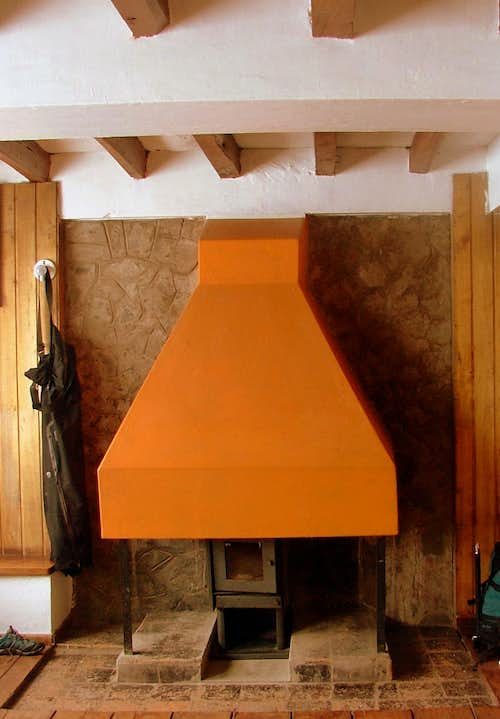 Cayambe\'s refuge fire place.
