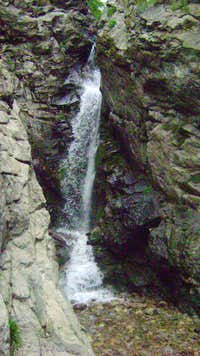 Rocky Mouth Waterfall