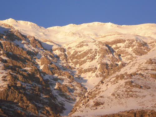 Houzdall 4360m and Bozkosh Valley