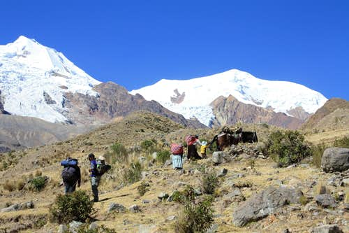 On the way to Illimani Base Camp