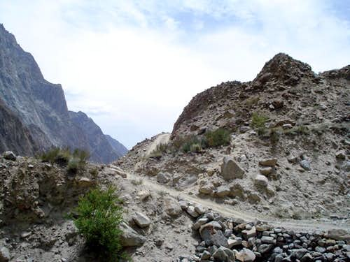 Road to Hushe Valley