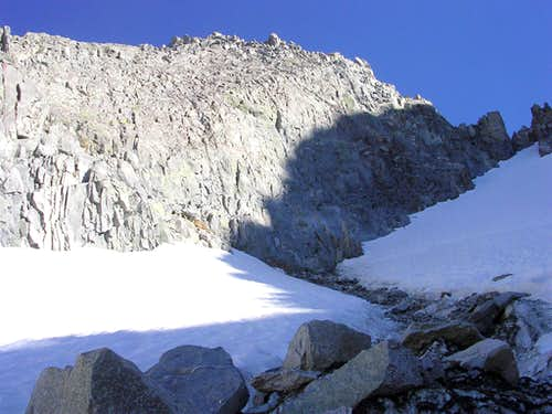 Big Rockfall on the E Ridge of Agassiz