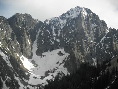 Close up of the Sickle couloir (Jun 2010)