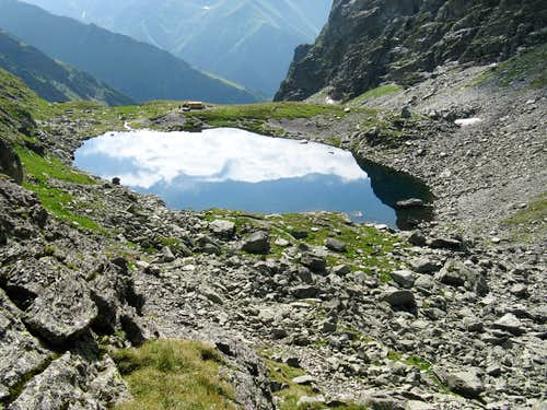 mountain mirror - Caltun lake