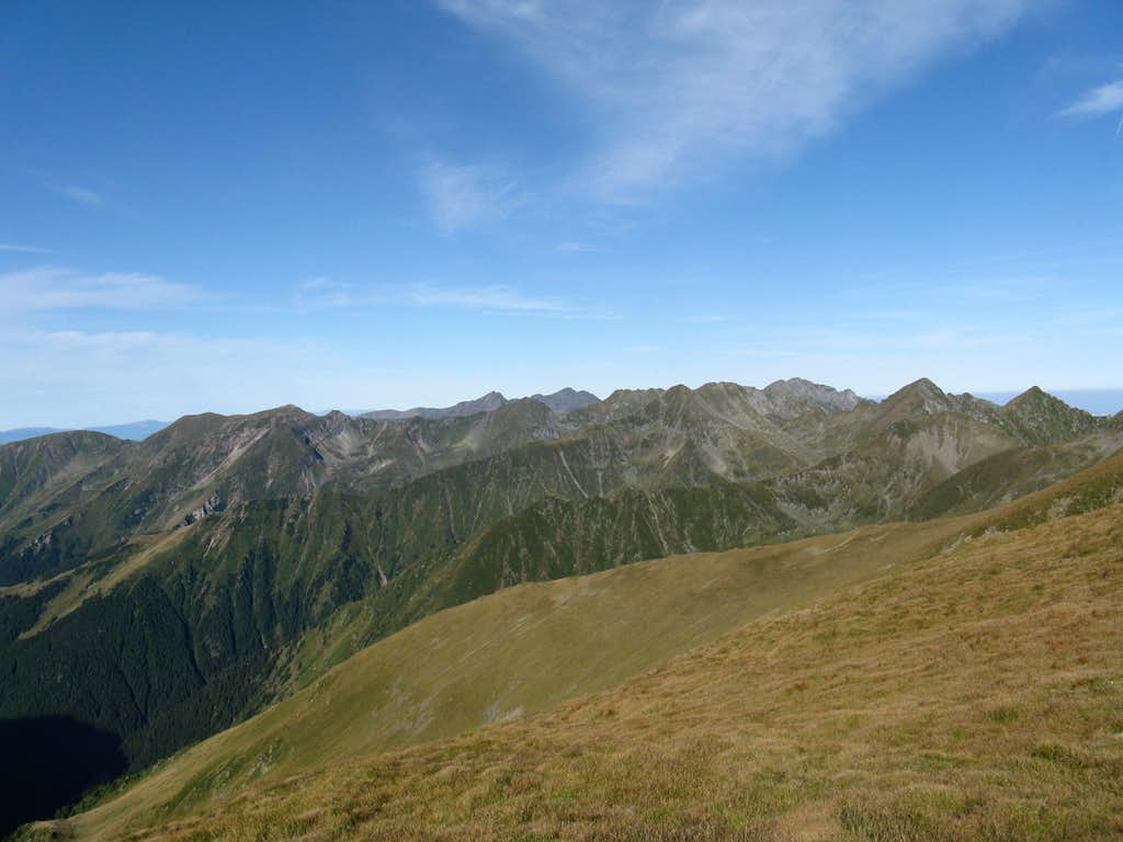Central segment of the Făgăraş Mts.