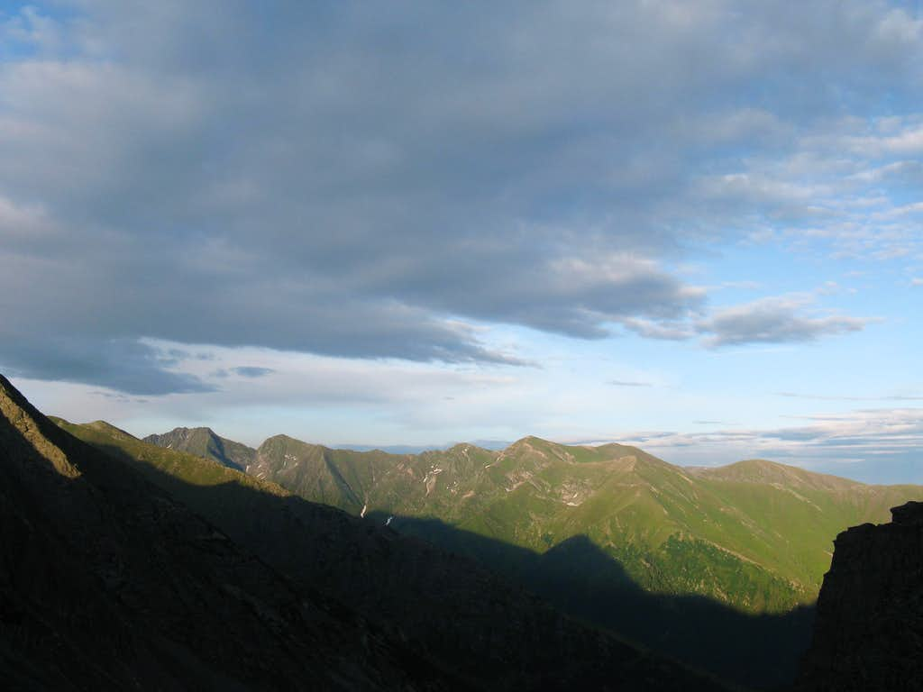Buda-Raiosu-Museteica lateral ridge