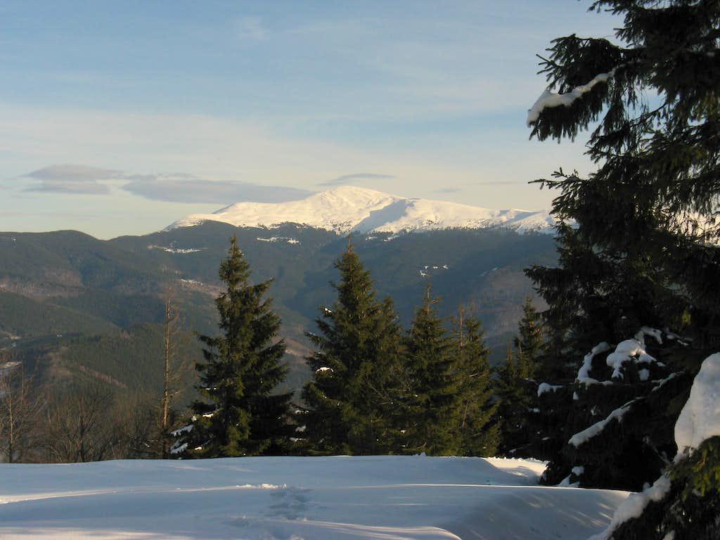 Petros peak (2020 m)