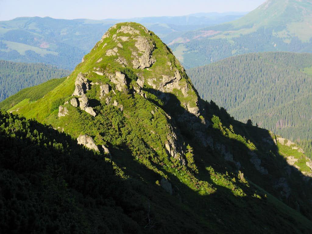 Cliff of Pip Ivan's corrie