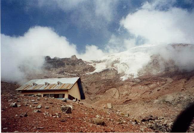Whymper refugio at 5000 m