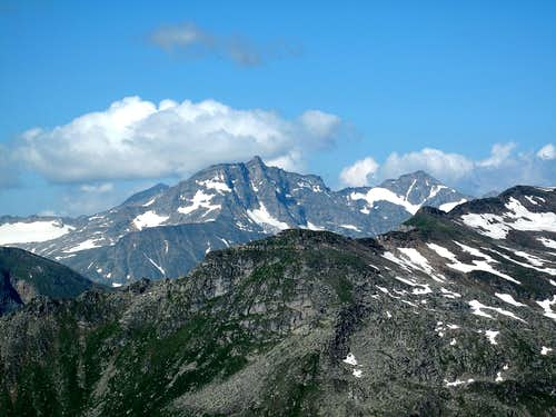Hoher Sonnblick (3105m) and Goldzechkopf (3042m) seen from the Zittrauer Tisch
