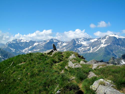 Beautiful views to the Goldberg group peaks from the path leading down the Zittrauer Tisch