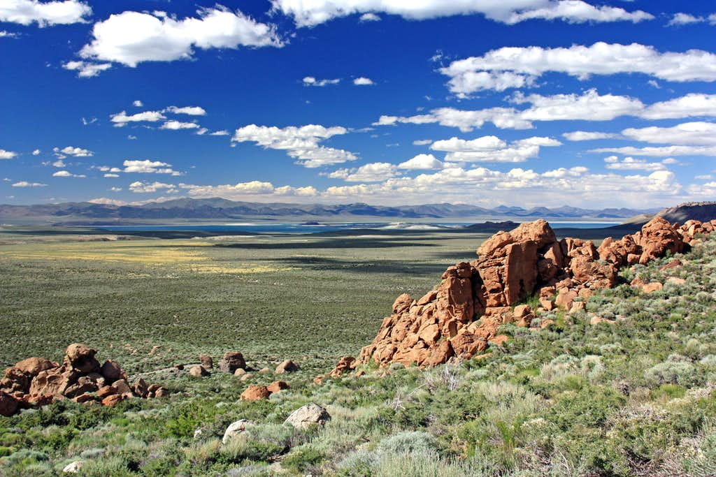 Mono Basin from the Aeolian Buttes
