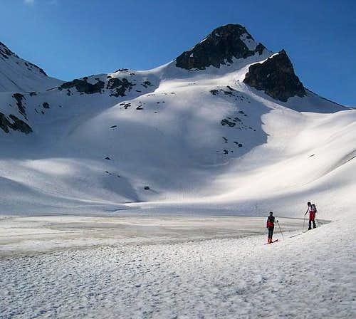 Lac de Fenetre in late winter