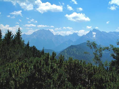 Watzmann (2713m), Grosser Hundstod (2593m) and Hochkalter (2607m) seen from the trail between Predigtstuhl and Karkopf
