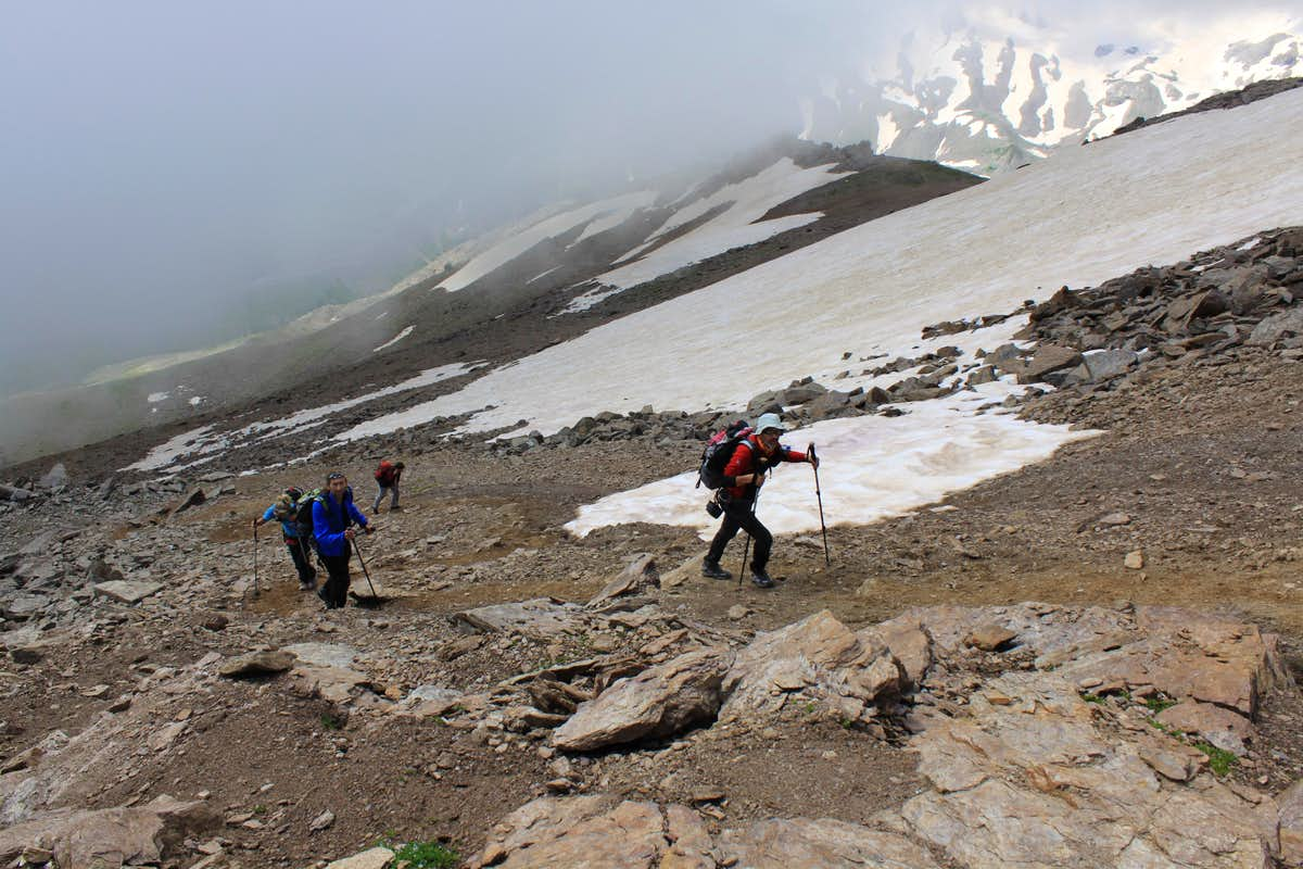 Italian hikers on Cheget