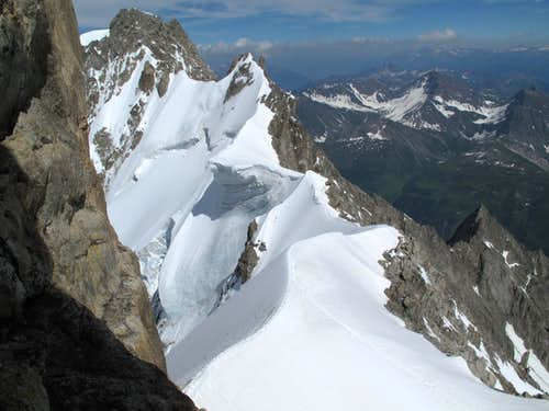 Rochefort Ridge seen from Dent du Geant