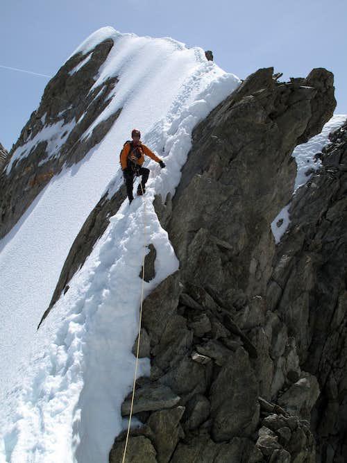 Descending the steep slopes of the Rochefort Ridge