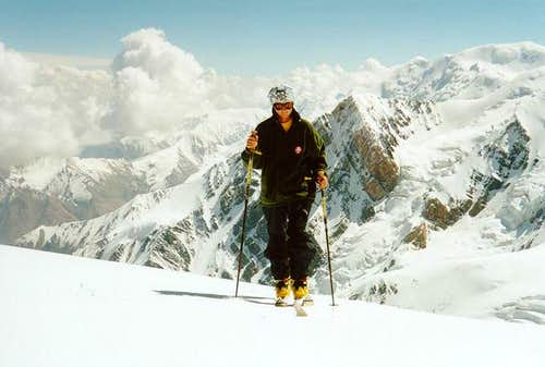 A girl at 5550-5600 m on the...