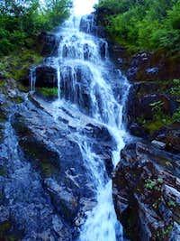 Waterfall on the way to Sloan Peak