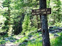 Buck Lakes Trail sign