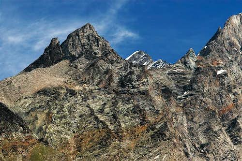 Kinhorn south face and Dom in...
