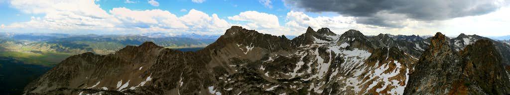 Merritt Peak North Summit Pano