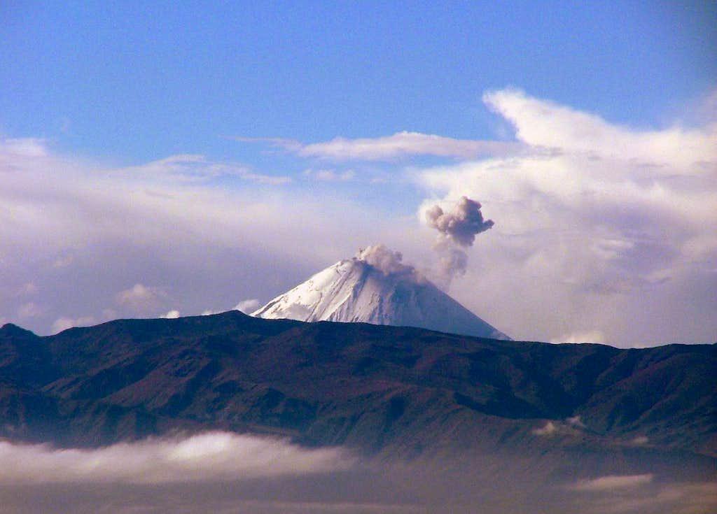Volcan Sangay Erupting.