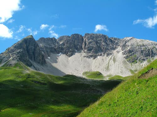 Another photo of the  amphitheater  of the south wall of the Rüfispitze
