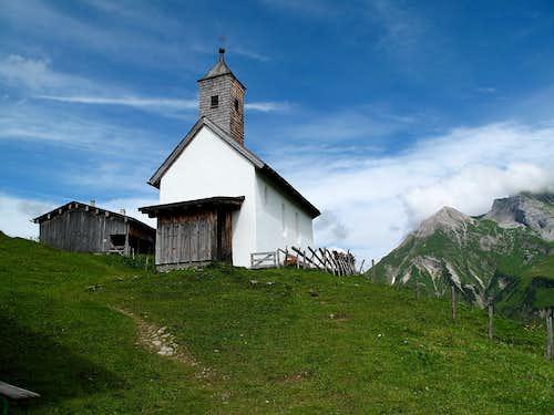 The little chapel of the Walser hamlet of Bürstegg