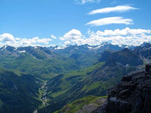 View from the summit of Mohnenfluh (2544m) to the Verwall group in the south