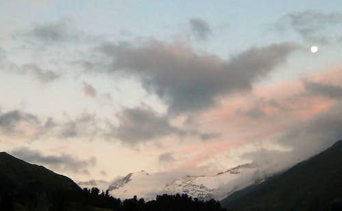 The moon above the Ötztal Alps